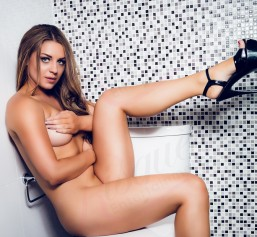 AmyKate-Strippers-main